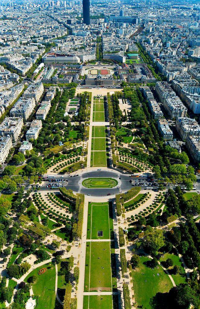 Vista dalla cima della Torre Eiffel. Parigi e dintorni in 5 giorni